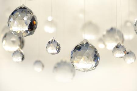 prisme: Hanging boules de cristal, studio shot
