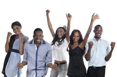 Fünf glückliche afrikanische Menschen jubeln, Studioaufnahme, Isoliert