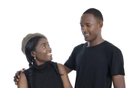 condones: Pareja africana joven, Foto de estudio, aislado