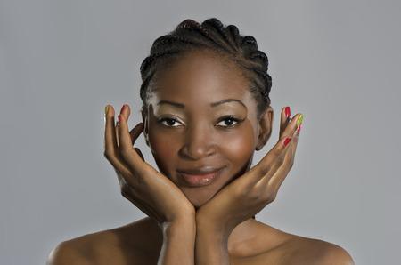 cornrows: Retrato hermoso de la mujer africana, Foto de estudio, Camer�n