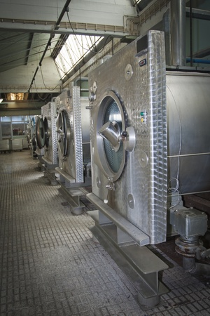 laundry: Lavadora industrial Editorial
