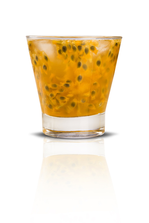 coctel de frutas: Fresh drink made with passion fruit Caipirinha on white background