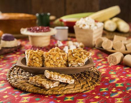 Typical Brazilian junina party sweets. Pe de moleque. Standard-Bild