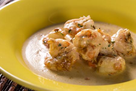Shrimp gratin in cream cheese