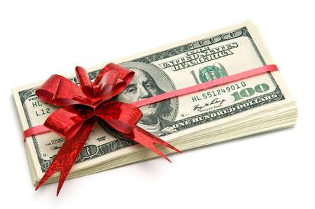 Geld gebonden rood lint voor cadeau Stockfoto