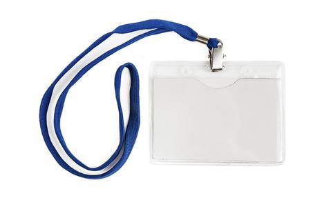 Identificazione badge carta d'identità in plastica bianca vuota isolata con tracciato di ritaglio