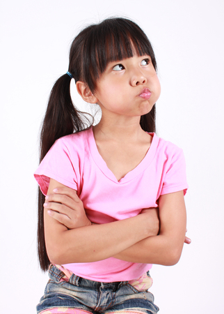 Porträt der jungen Mädchen wütend. Standard-Bild