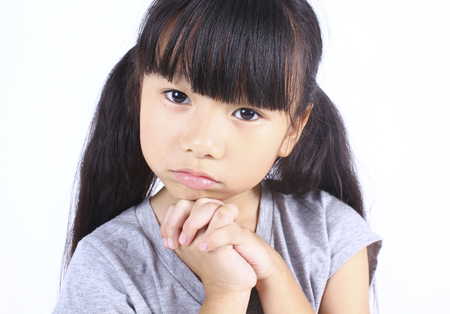 ojos marrones: Retrato de la niña linda.