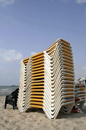 plied: plied up deckchair in tel aviv israel