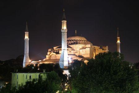 coran: aya sofia basilica at night, sultanhamet, istanbul, turkey