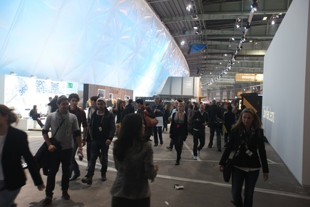 templehof: BERLIN - JANUARY 19:  Crowds at Bread & Butter fair on January 19, 2011 in Berlin, Germany. Tens of thousands of visitors attended the tradeshow this year.