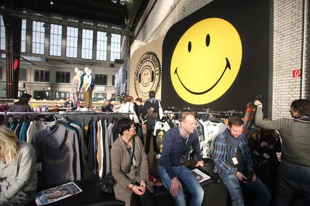 templehof: BERLIN - JANUARY 19:  Visitors resting at Bread & Butter fair on January 19, 2011 in Berlin, Germany. Tens of thousands of visitors attended the tradeshow this year.