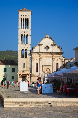 saint stephen cathedral: Hvar - SEPTEMBER 24: St. Stephens square and cathedral on September 24, 2011 in Hvar, Croatia. The cathedral was built in stages during the 16th and 17th century. Editorial