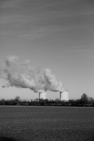 vapour: Nuclear power station extracting vapour into the atmosphere