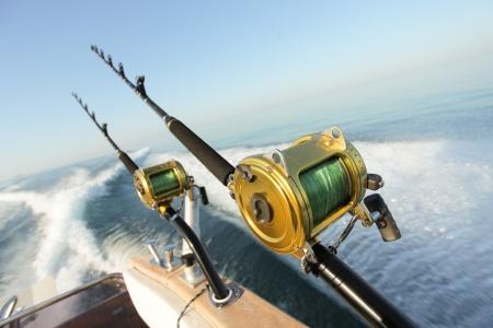 cielo y mar: grandes carretes de pesca deportiva y carretes barras y varillas