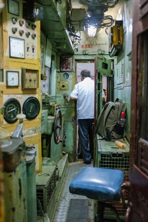 terminus: MUMBAI, INDIA - 10 de enero 2015: piloto indio tren Chhatrapati Shivaji Terminus. Editorial