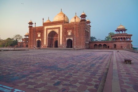 love dome: Mosque on the West side of Taj Mahal.