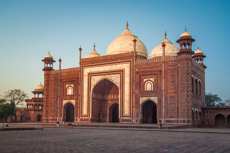 love dome: AGRA, INDIA - 28 FEBRUARY 2015: Mosque on the West side of Taj Mahal.
