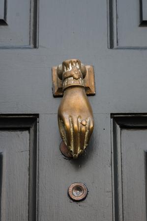 door knocker: Traditional or period   front door knocker