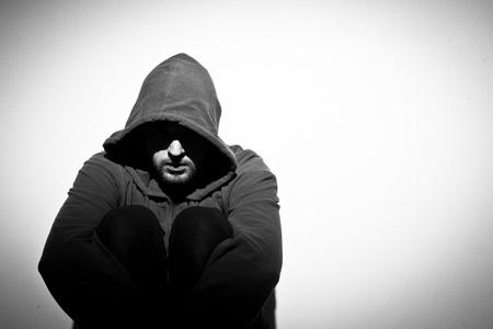 lagrimas: el hombre adulto deprimido Foto de archivo