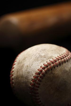 백그라운드에서 박쥐와 풍 화 야구의 근접