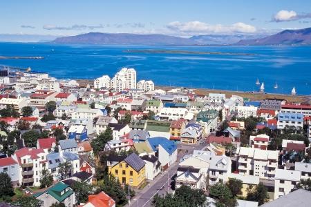 reykjavik: El centro de Reykjavik con casas de colores, Islandia Foto de archivo