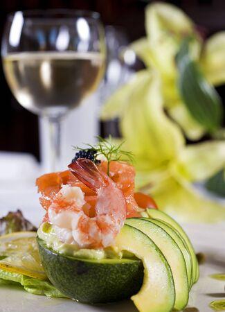 la: Ein Shrimps-Salat a la Carte Appetizer Closeup detail