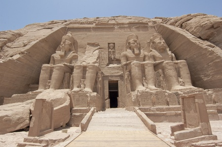 temple mount: Main entrance to the Temple of Ramses II at Abu Simbel
