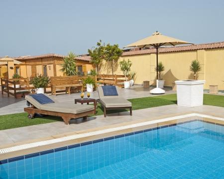 Villa de luxe spectacle maison piscine dans un complexe tropical Banque d'images - 19159851