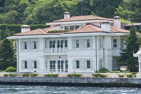 Large luxury villa on the water front Stock Photo - 21969626