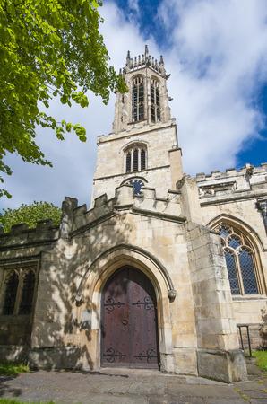 octagonal: Medieval vieja iglesia de Todos los Santos en Ingl�s de la ciudad de York con el reloj y la torre linterna octogonal