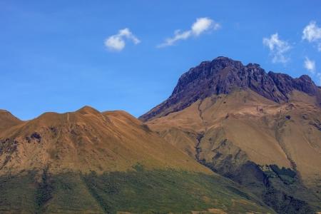 Andes mountain peaks above Lago San Pablo, Ecuador  Zdjęcie Seryjne