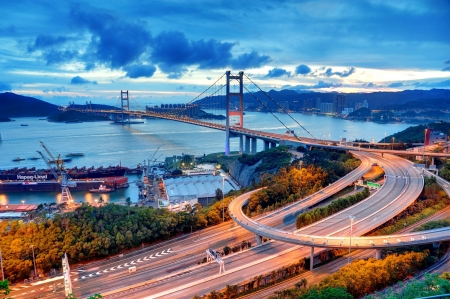Tsing Ma Bridge puesta de sol photo