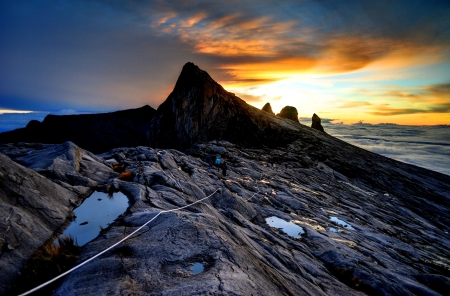 kota kinabalu: Mount Kinabalu, near Lows Peak, about 3900m. This is sunrise.