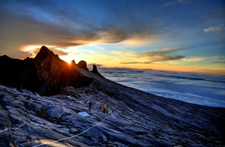 exploration: Mount Kinabalu, near Lows Peak, about 3900m. This is sunrise.