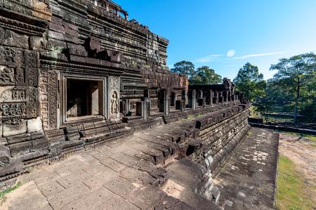 hinduismo: Building inside Angkor Wat ruins