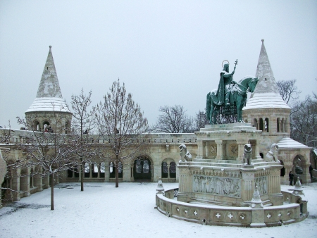 St  Istvan s equestrian statue under the snow, Budapest Stock Photo - 18279715