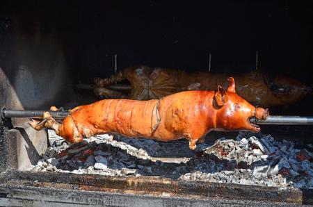 グリルした豚。ロースト豚