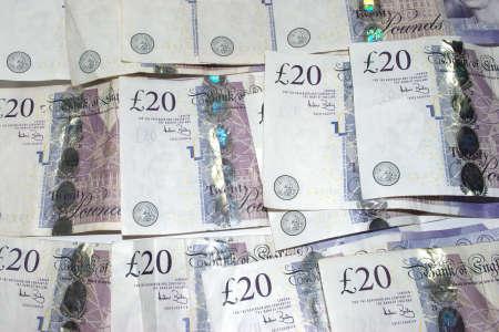 Group of twenty pound notes Stock Photo - 8349588