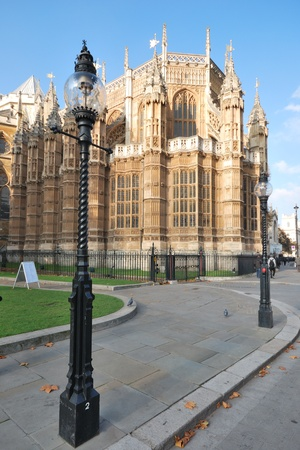 westminster abbey from rear with stretlamps