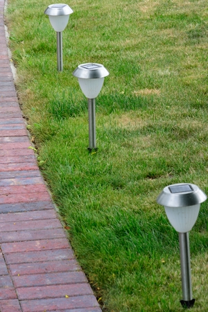 outdoor lighting: Solar powered lawn lights