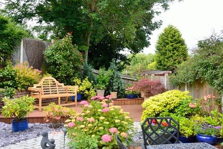 english garden: Small pretty english garden