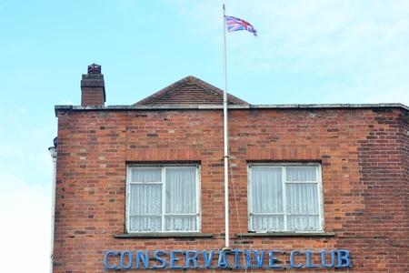 erhaltend: Run down konservativen Club Bau