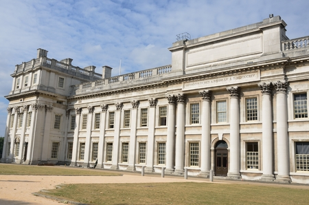naval: Greenwich Naval college from side