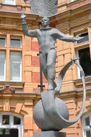 gagarin: Yuri gagarin statue greenwich london