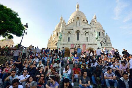 sacre: PARIS FRANCE 7 JUNE  2015: Large crowd outside sacre coeur Paris