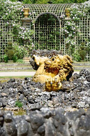 arboleda: Versalles Encelado Grove
