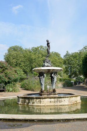 lady diana: Hyde park Fountain depicting Diana the Huntress