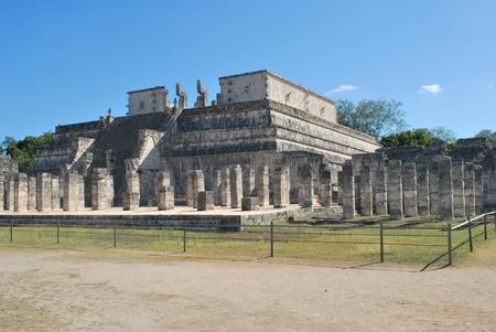 itza: Temple of the warriors at Chichen Itza