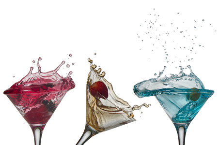 cocktail glasses: cocktail splash collection isolated on a white background.free cups